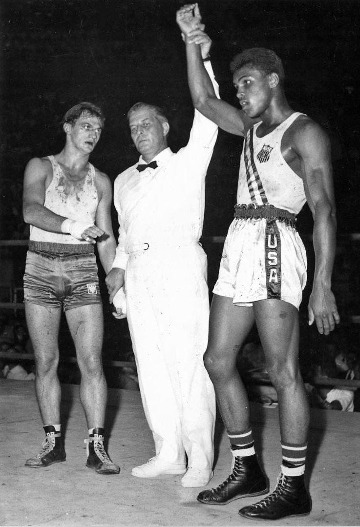 Zbigniew Pietrzykowski (left) and Muhammad Ali at the Rome Olympics in 1960.