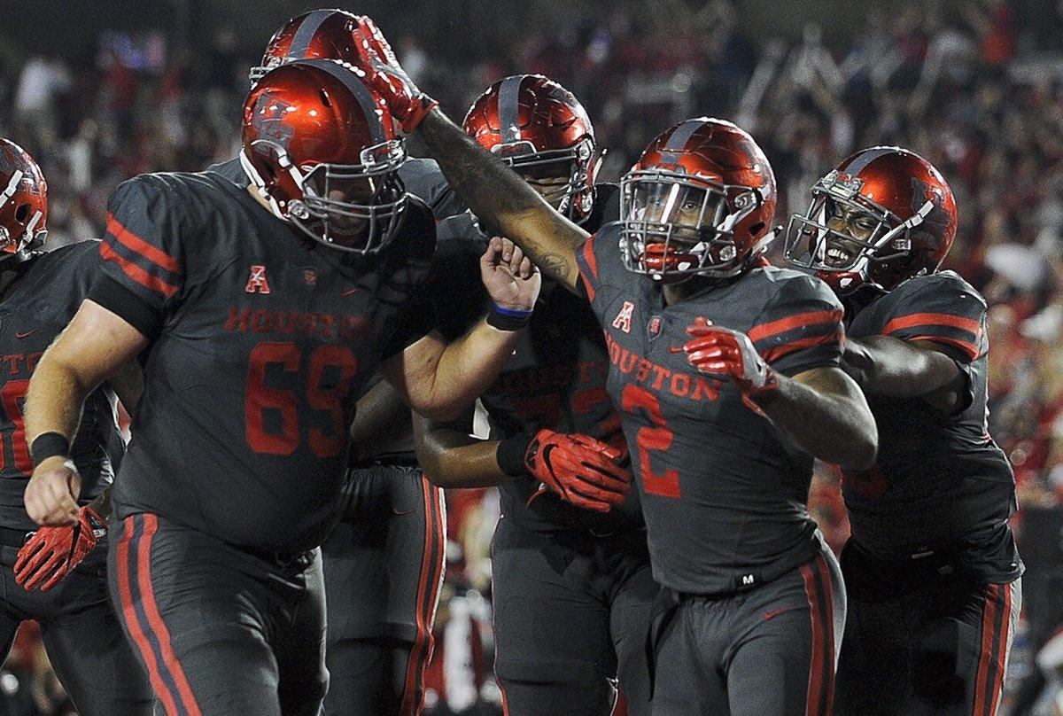 Houston Cougars Upset Louisville Cardinals to Earn Academy ...