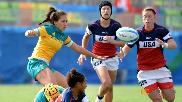 The ball pops free during a rugby sevens match between USA and Australia at Deodoro Stadium in the Rio 2016 Summer Olympics. Photo: channelnewsasia.com