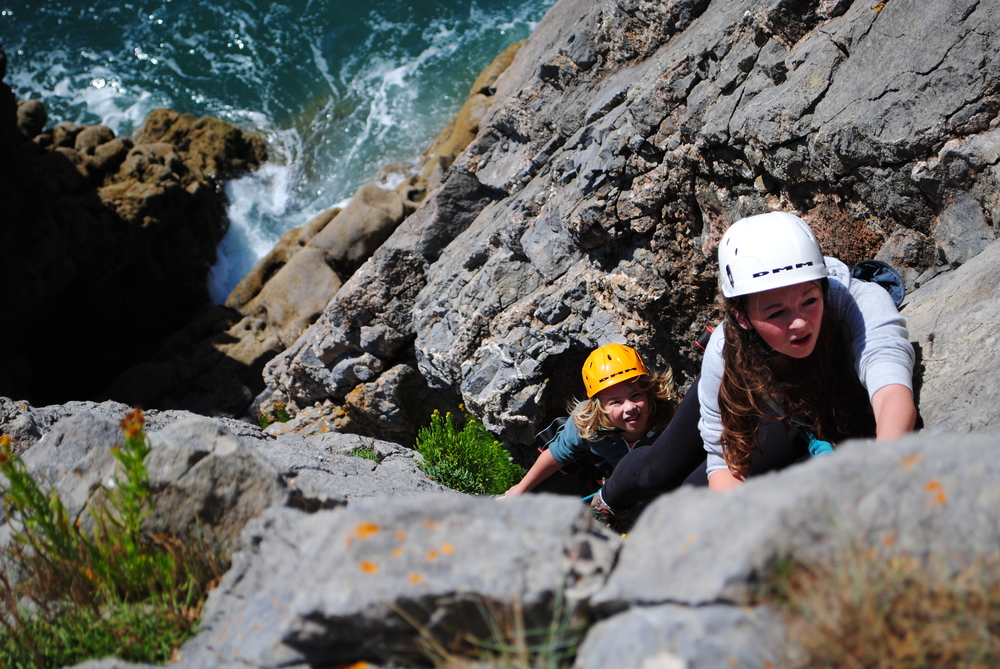 Pembrokeshire sea cliff climbing. Photo: climbpembroke.com