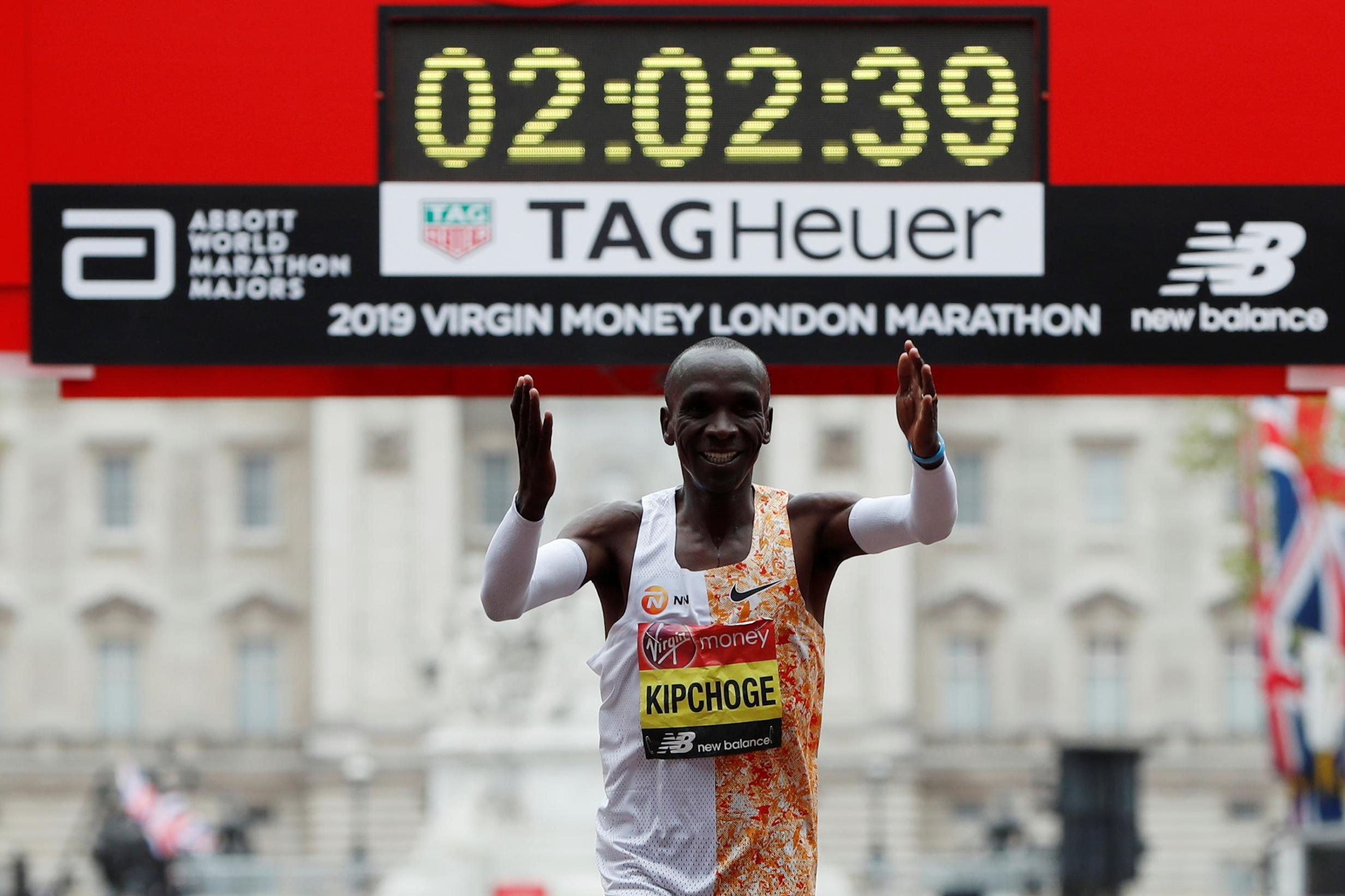 bdabf49b0ef9 Kenya s Eliud Kipchoge clocked a course record time to clinch a record  fourth victory in the men s race at the Virgin Money London Marathon as  compatriot ...